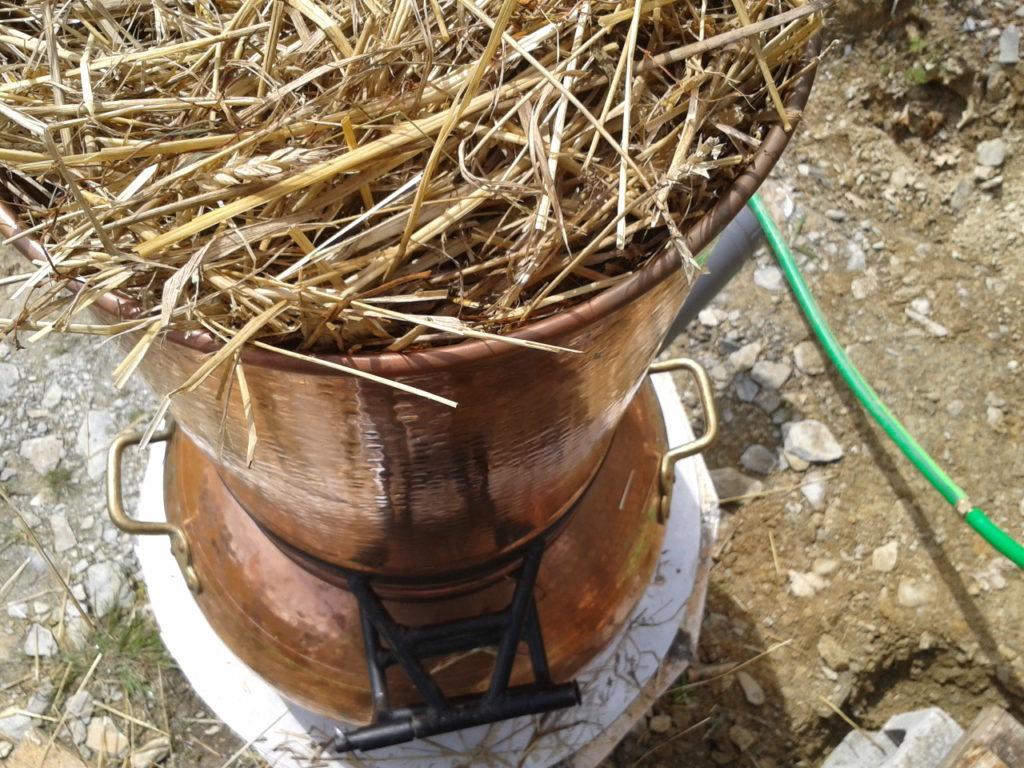 1ère distillation : de la paille bio